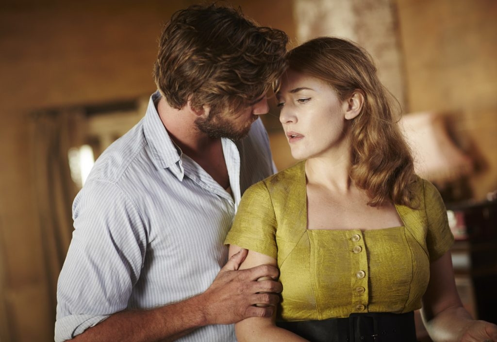 Liam Hemsworth y Kate Winslet