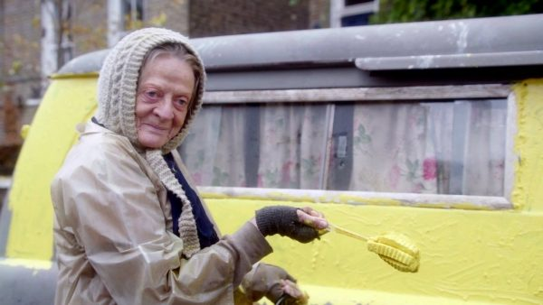 Maggie Smith en The lady in the van
