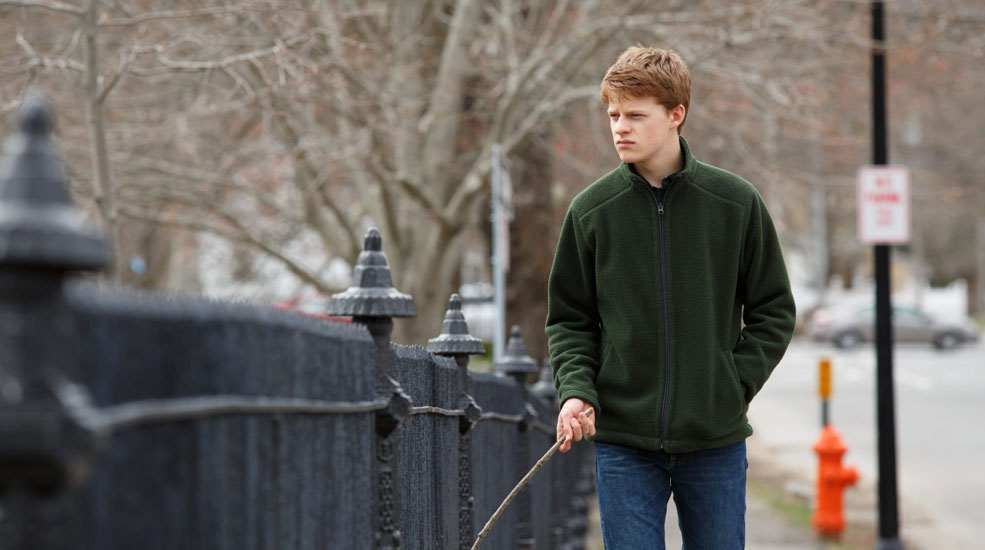 Lucas Hedges en Manchester frente al mar