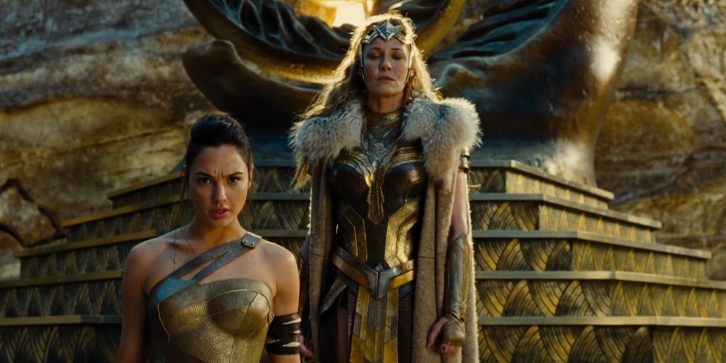 Gal Gadot y Connie Nielsen en Wonder Woman